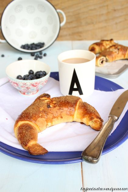 Blaubeercroissant1