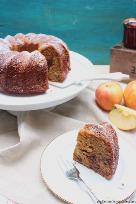 Marmorkuchen mit Nüssen und Apfelmus4.1