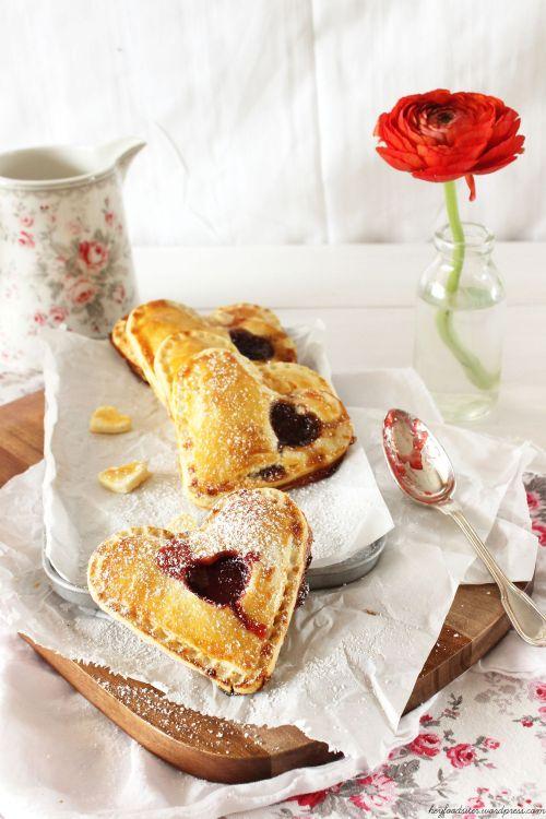 Rezept für Handpies mit Erdbeer und Marzipan
