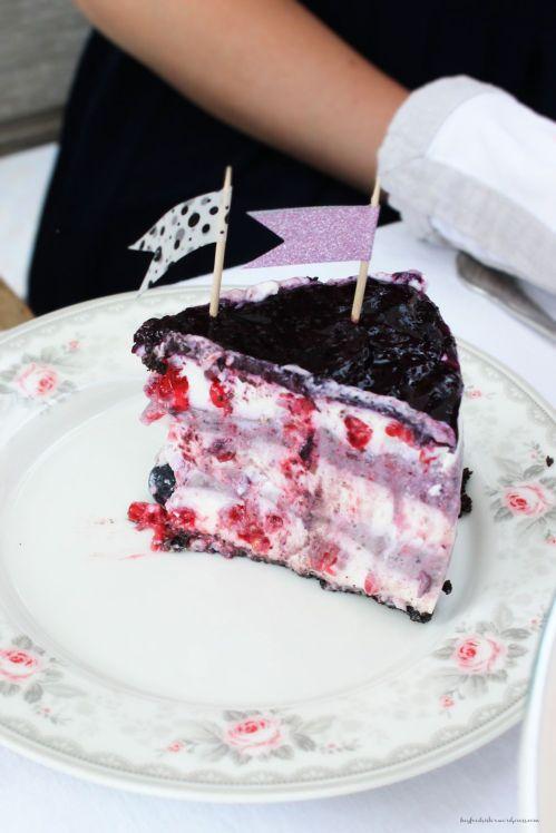 Bloggeburtstag No Bake Heidelbeer Cheesecake mit Oreo Boden