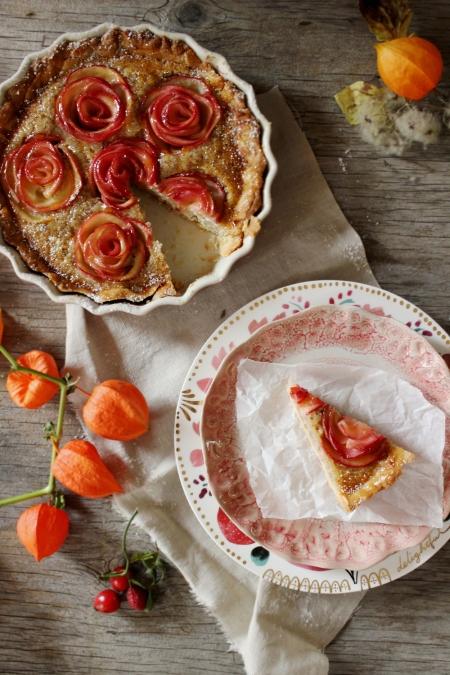 Rezept für eine Frangipane Tarte mit Apfelrosen