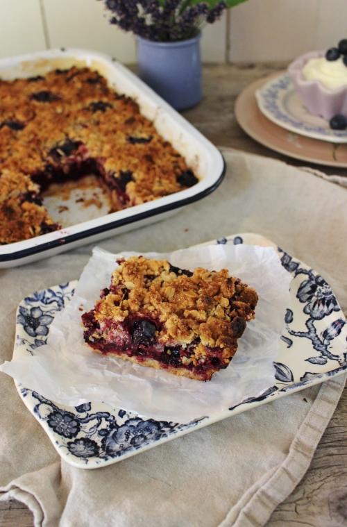 rezept-fur-einen-heidelbeer-crumble-cake