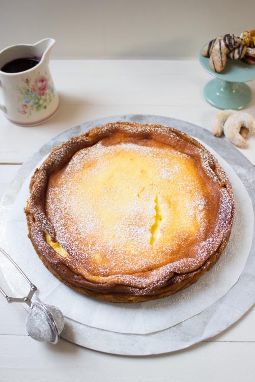 rezept-fur-einen-schmandkuchen-mit-vanillekipferl-boden