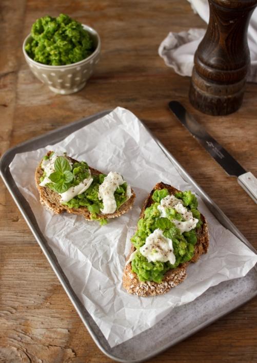 Rezept für ein Erbsen Mozzarella Brot Stullenliebe