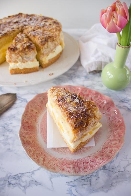 Rezept für Mango Vanille Creme Bienenstich