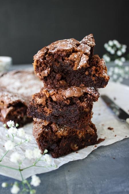 Rezept für die saftigsten Brownies mit Pekanüssen und Salzkaramell