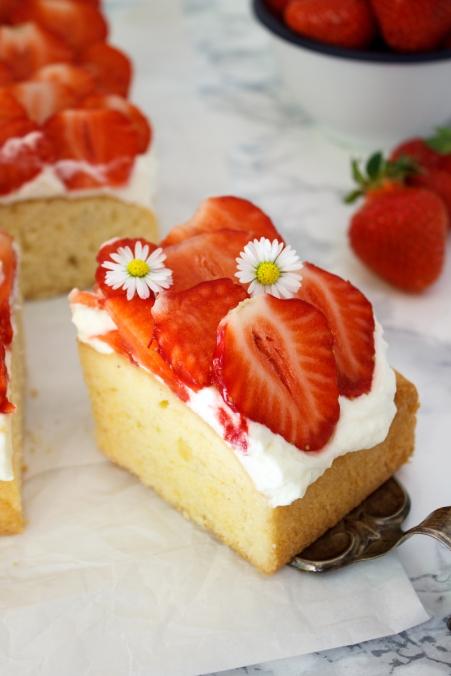 Rezept Vanille Tres Leche Kuchen mit Erdbeeren Fräulein Klein lädt ein